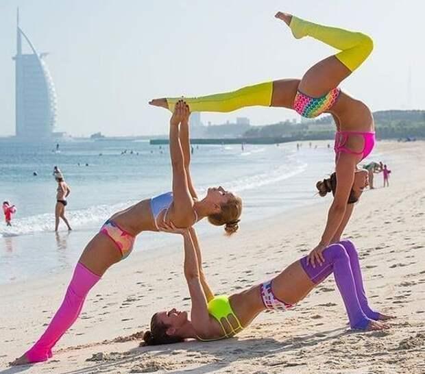 Классные фотографии спортивных девушек, которые занимаются йогой