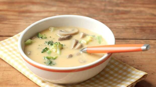 Сырный суп с шампиньонами и брокколи. Особый сливочный вкус первого блюда придётся вам по душе 2