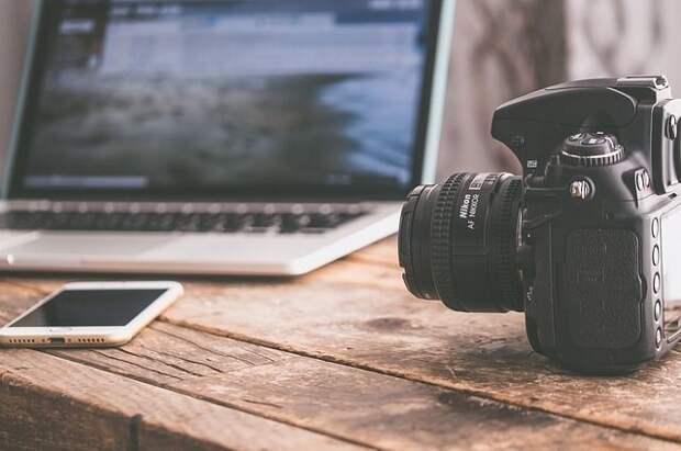 На жительницу Омской области завели дело из-за съёмок откровенного видео