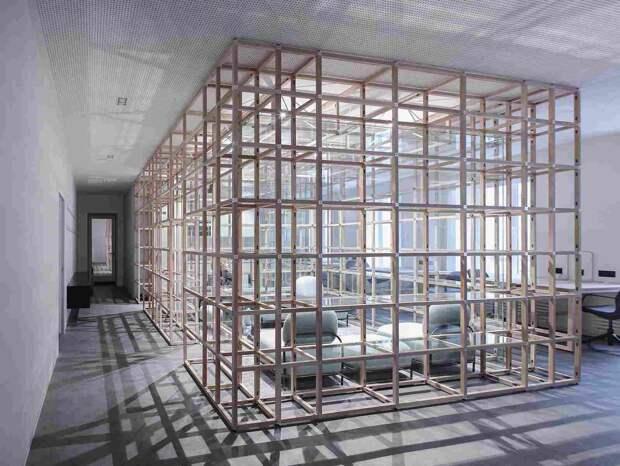 Креативный и минималистичный дизайн коворкинга в Санкт-Петербурге