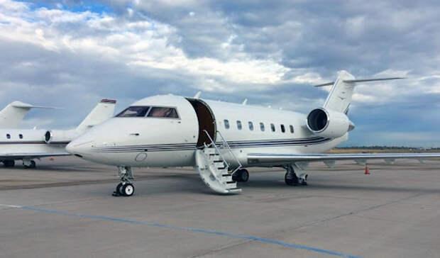 Самолёт с Навальным на борту прибыл в Берлин