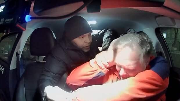 «Вези меня, мразь – 2»: мужчина избил таксиста из-за детского кресла. ФАН-ТВ