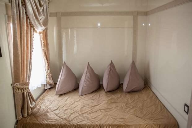 Вагон, в котором каждый почувствует себя VIP: казахи создали пятизвездочный отель на колесах