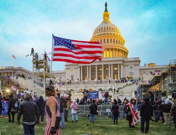 «Медаль за город Вашингтон»: США могут стать территорией не только гражданской войны, но и иностранной интервенции