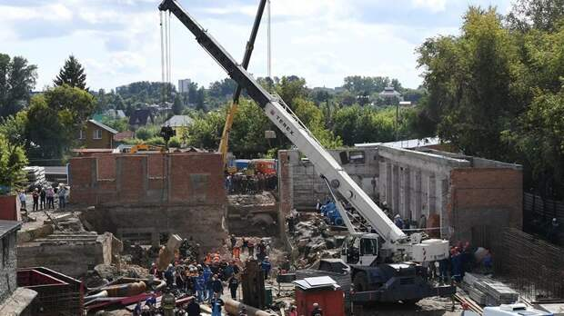 Из-под завалов здания в Новосибирске извлечено тело второго погибшего