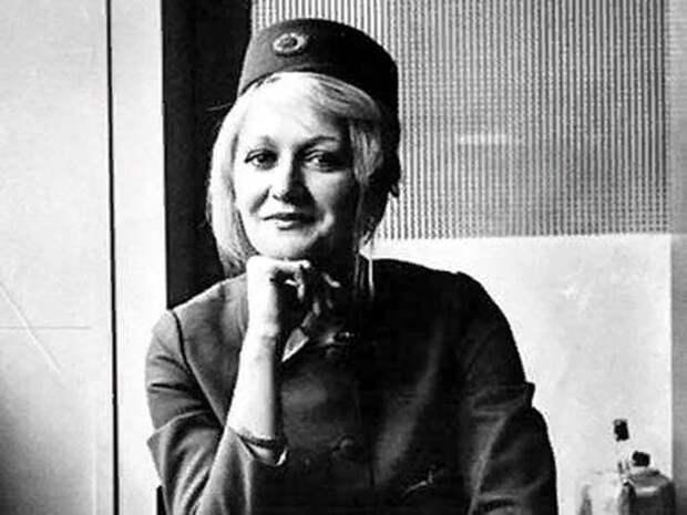 Весна Вулович — стюардесса, обладательница мирового рекорда высоты для выживших при свободном падении без парашюта, по версии Книги рекордов Гиннесса.