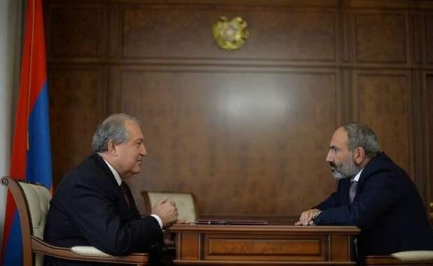 Экс-премьер Армении: Никол Пашинян иАрмен Саркисян работают наБританию