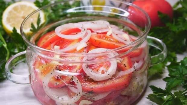 Закуска из помидоров с луком к шашлыку. Простое блюдо без которого не обойтись на пикнике