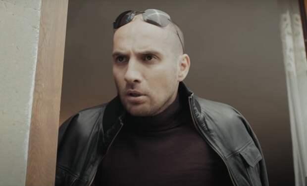 «Он тупой!»: звезда фильма «Непосредственно Каха» ответил на критику BadComedian