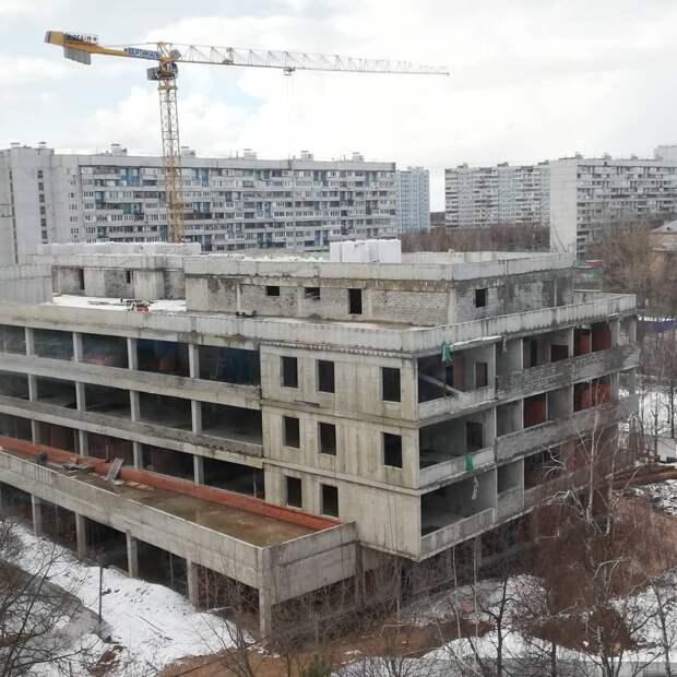 Строительство монолитных конструкций нового корпуса больницы на Лобненской завершено