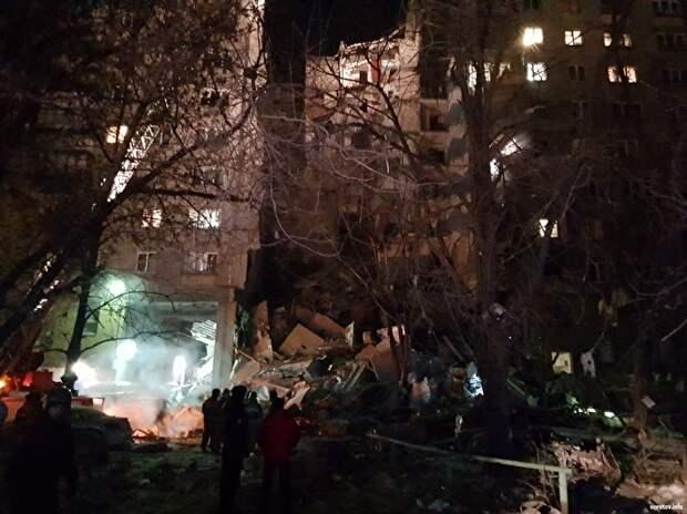 В Магнитогорске — трагедия: в результате взрыва газа обрушился подъезд в девятиэтажке