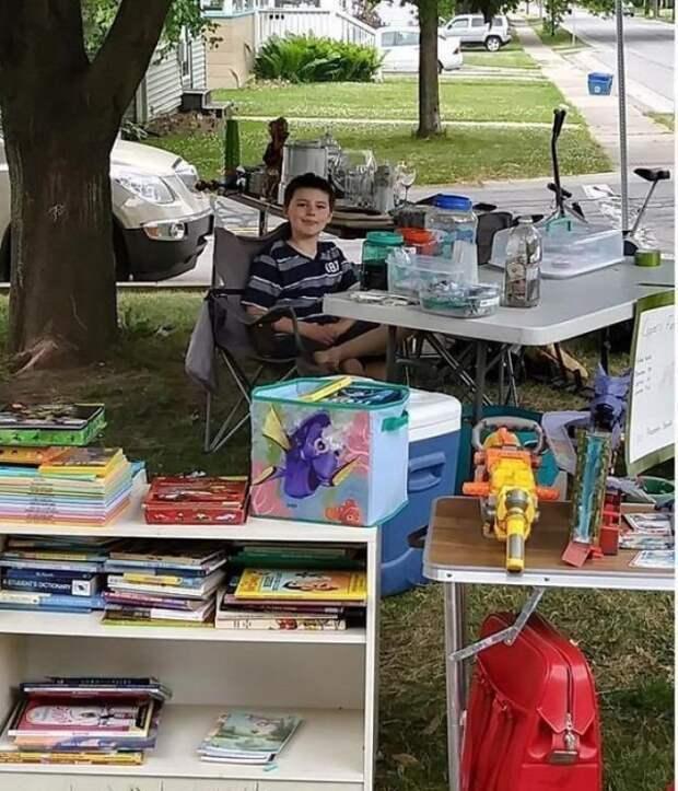 Чтобы оплатить лечение четвероногого друга, ребенок продал все свои игрушки