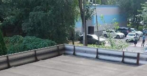 В доме на Новотушинском проезде мусор больше не сыпется людям на голову