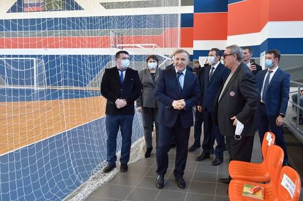 В Гиагинском районе Мурат Кумпилов ознакомился с ходом реализации федерального проекта в сфере спорта