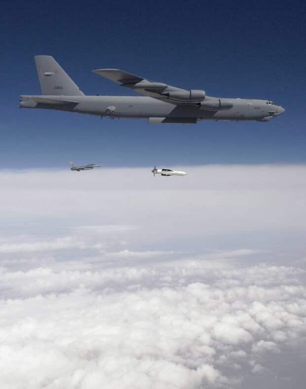 Явная угроза: модернизация противобункерных авиабомб GBU-57/B