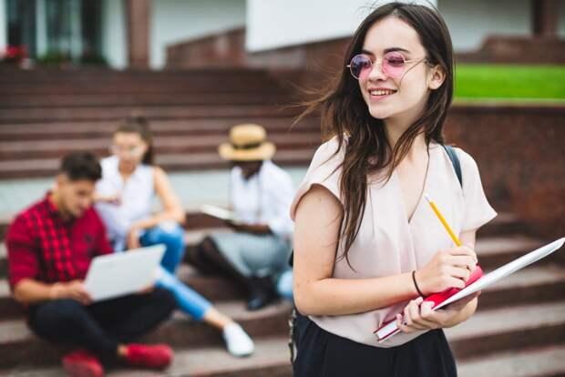РИА Новости составил список доступных для студентов пособий в 2021 году