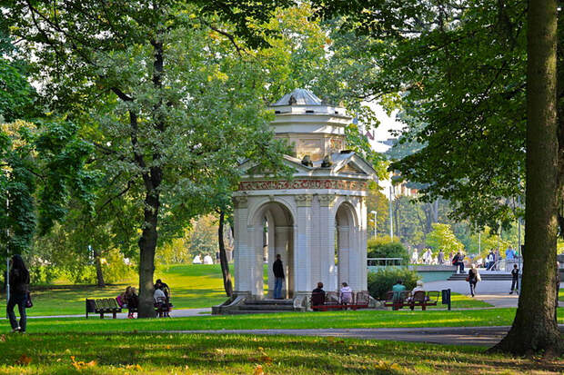 800px-Kronvalda_parks_-_5 (700x466, 591Kb)