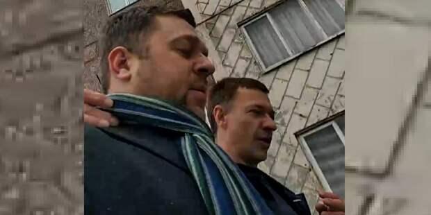 """""""Что ты, падла, сделал полезного в жизни?"""": депутат напал на журналиста"""