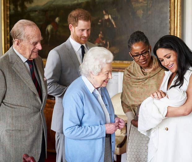 Меган Маркл и принц Гарри официальная фотосессия с малышом Арчи