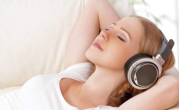 Прослушивание музыки перед сном провоцирует появление «ушных червей»