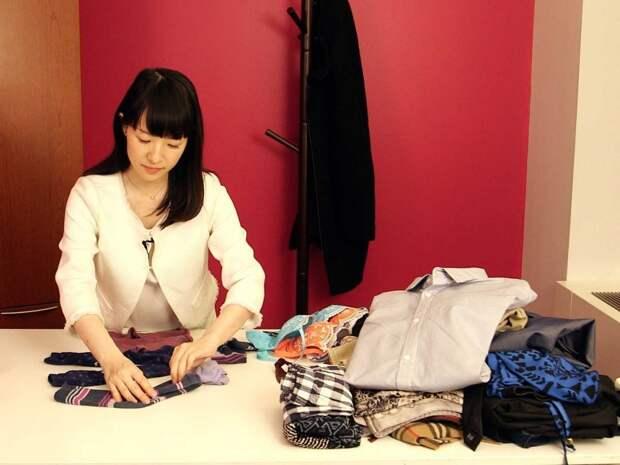 7 фактов о Мари Кондо, которая зарабатывает деньги на том, что учит людей убираться