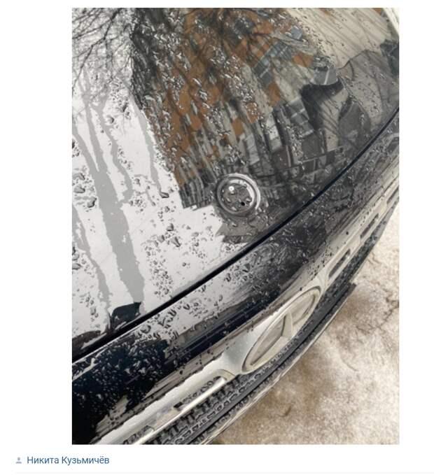 После набега воришек иномарки в Выхине-Жулебине остались без шильдиков