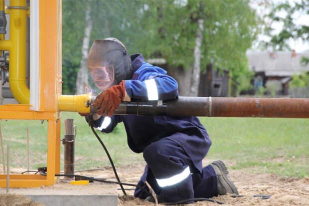"""Новак: Власти регионов обеспечат подведение газа """"от забора"""""""