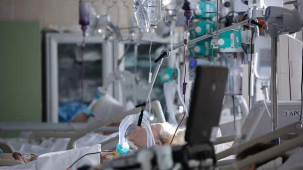 Около 400 дополнительных мест для пациентов с COVID-19 появится в Петербурге