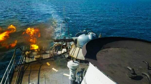 Артиллерийские катера Украины устроили стрельбу в Азовском море