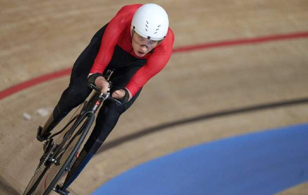 Доставщик из «Яндекс.Еда» установил мировой рекорд в велогонке и получил золото на Паралимпиаде
