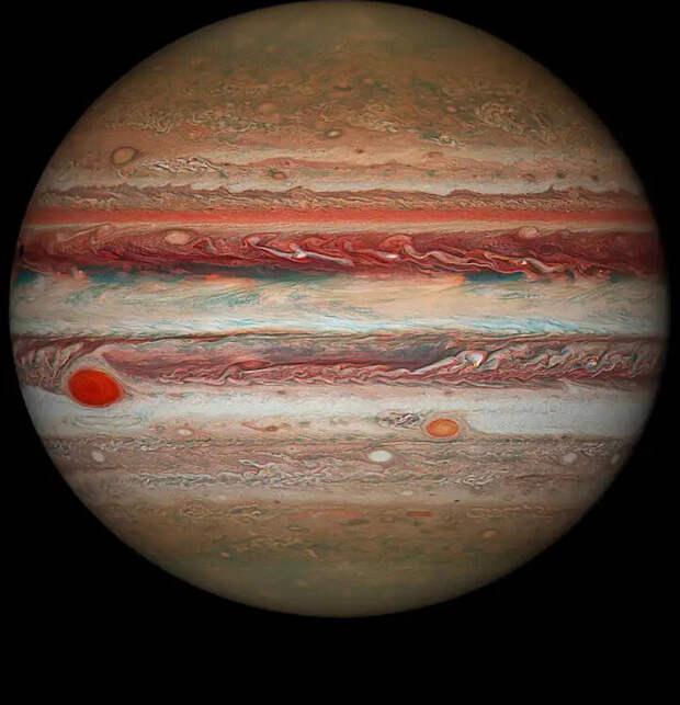 Почему у Юпитера 79 лун, когда у Земли только одна?