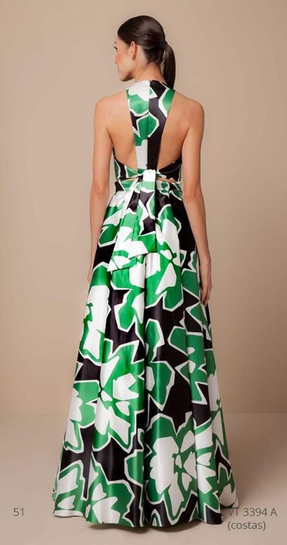 Необычное оформление спинки летних платьев