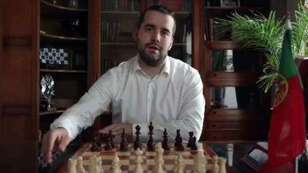 «Спартак» анонсировал назначение нового тренера роликом с гроссмейстером, португальским флагом и фразой про коня