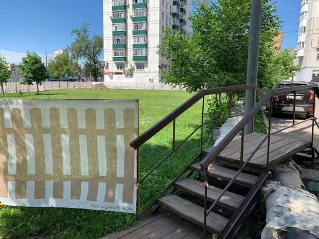 Демонтаж систем наружного теплоснабжения начался в Кузьминках после вмешательства Толстого