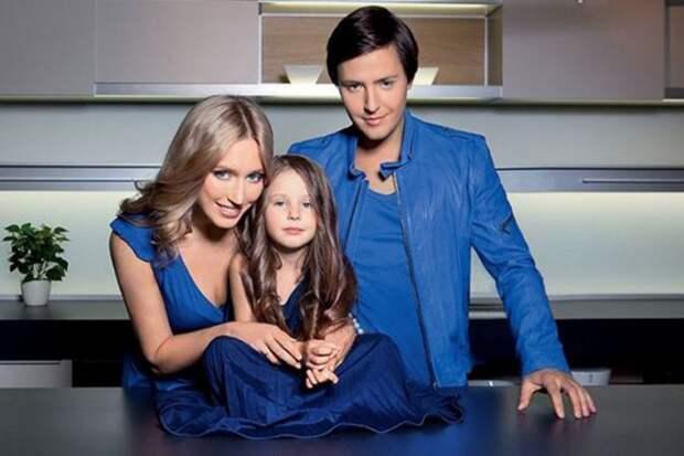 Певец Витас: как выглядят его супруга-красавица и двое детей, чем они занимаются