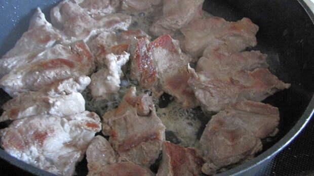 Картофель с мясом, запечённые под тестом