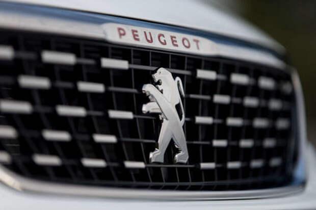 Обновленный Peugeot 308: известны рублевые цены и комплектации