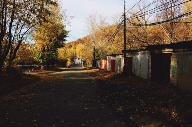 По ту сторону границы гаражного массива гараж, гаражный массив, город, эстетика