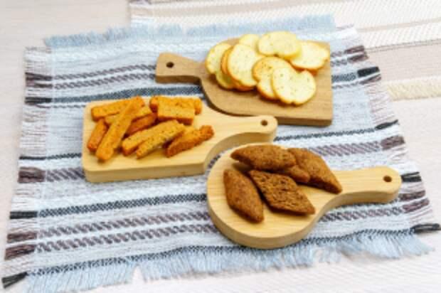 В чем разница между сухарями, гренками и крутоном?