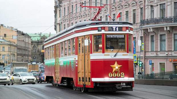 Туристический трамвай с 21 июня начнёт катать петербуржцев ежедневно