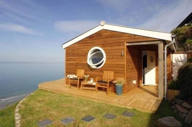 Маленький уютный домик у моря — мечта многих людей
