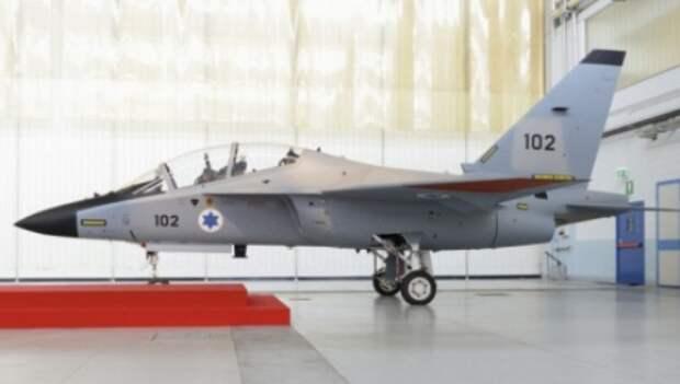 Alenia Aermacchi провела выкатку первого учебного самолета M-346 для ВВС Израиля