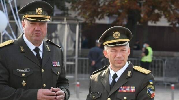 Военный пенсионер из Киева назвал украинских генералов холуями и ворами
