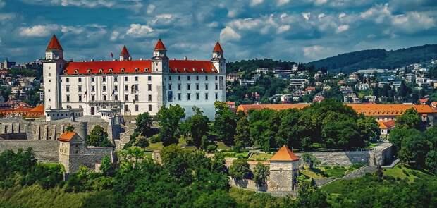 Словакия начала отправлять больных COVID-19 в ФРГ и Польшу