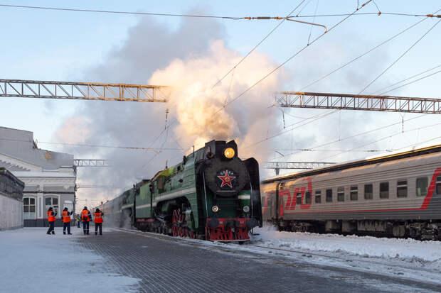 Фото дня: Ретро-поезд приехал в Нижний Новгород