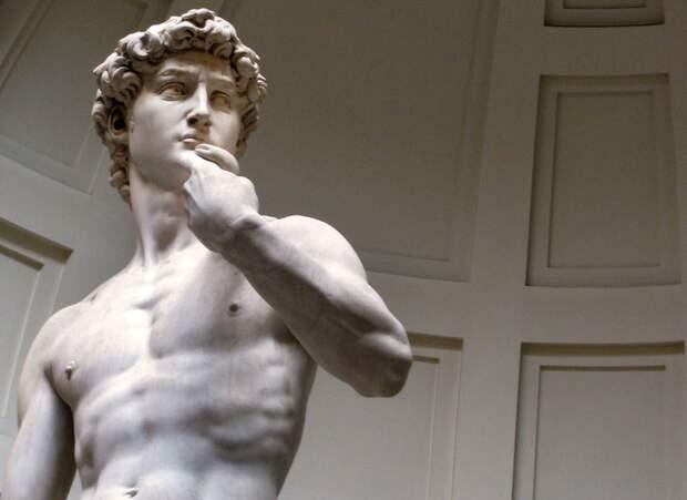 Оказывается, античные статуи не были белыми