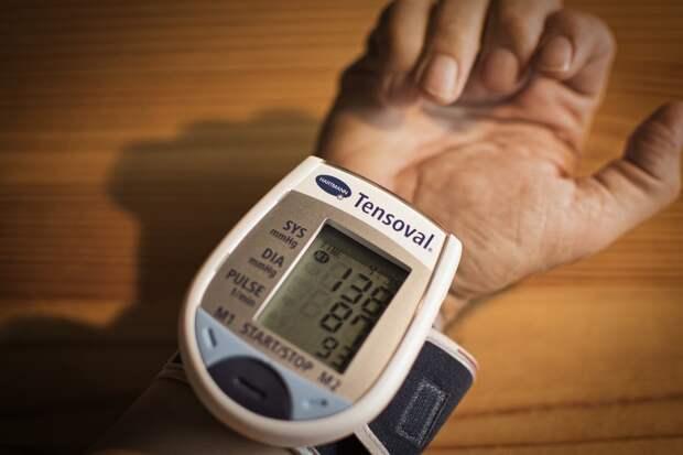 Назван способ снизить артериальное давление без лекарств и ограничений