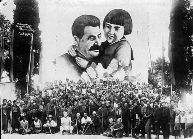 Геля Маркизова — девочка, с которой фотографировался сам товарищ Сталин
