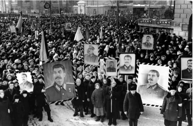 Проводы Сталина как характеристика отношения народа к правителю