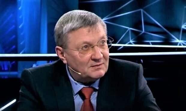 Суслов сравнил США с тонущим «Титаником», на который хочет попасть Украина